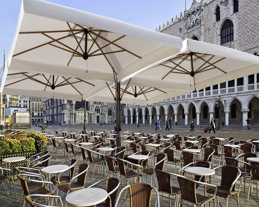 Cuádruple parasol para restaurante Alu Poker Scolaro SCOLARO